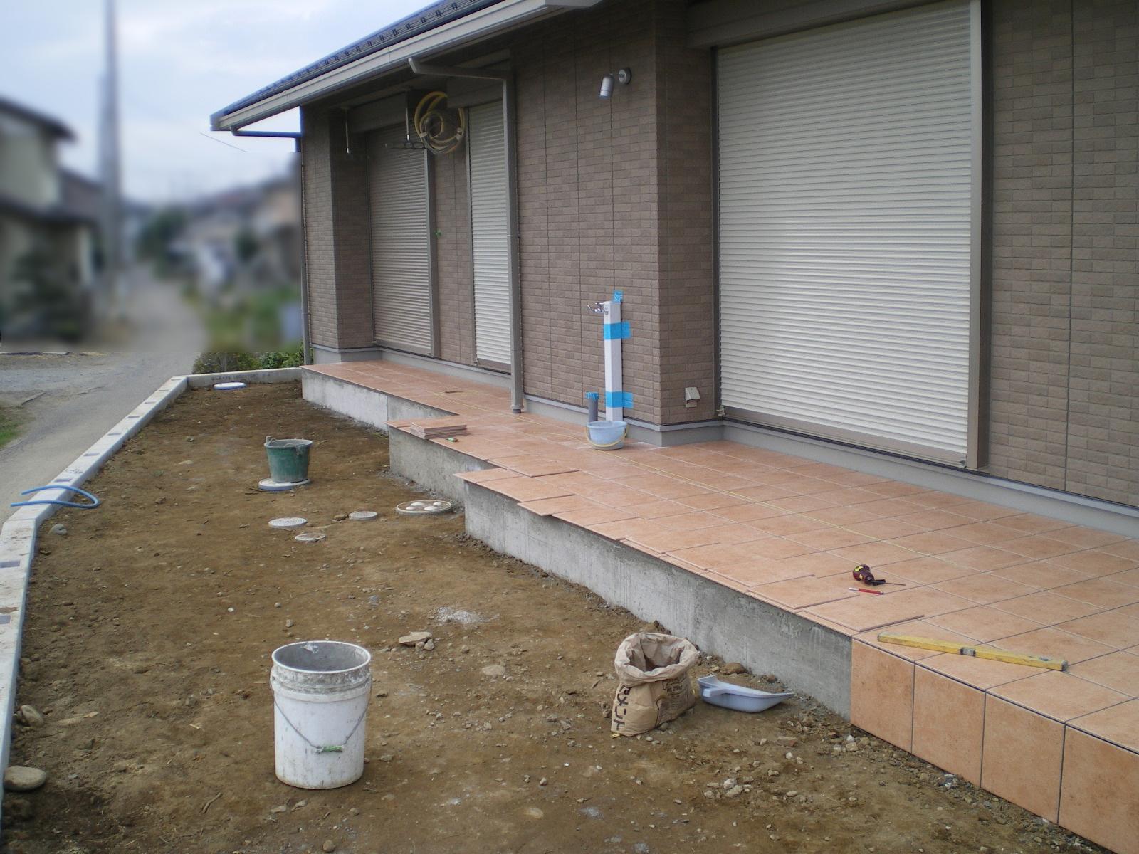川越市笠幡の玄関アプローチ施工中2